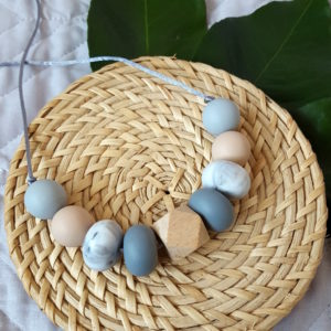 Tallow Silicone & Beechwood Necklace - Oatmeal