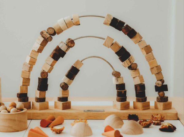 Qtoys- Rainbow Tracing Beads